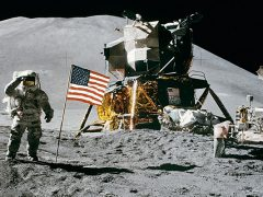 american-flag-astronaut-astronomy-39896[1]
